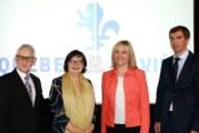 Michel G. Desjardins accueille  la délégation bavaroise à L'inis