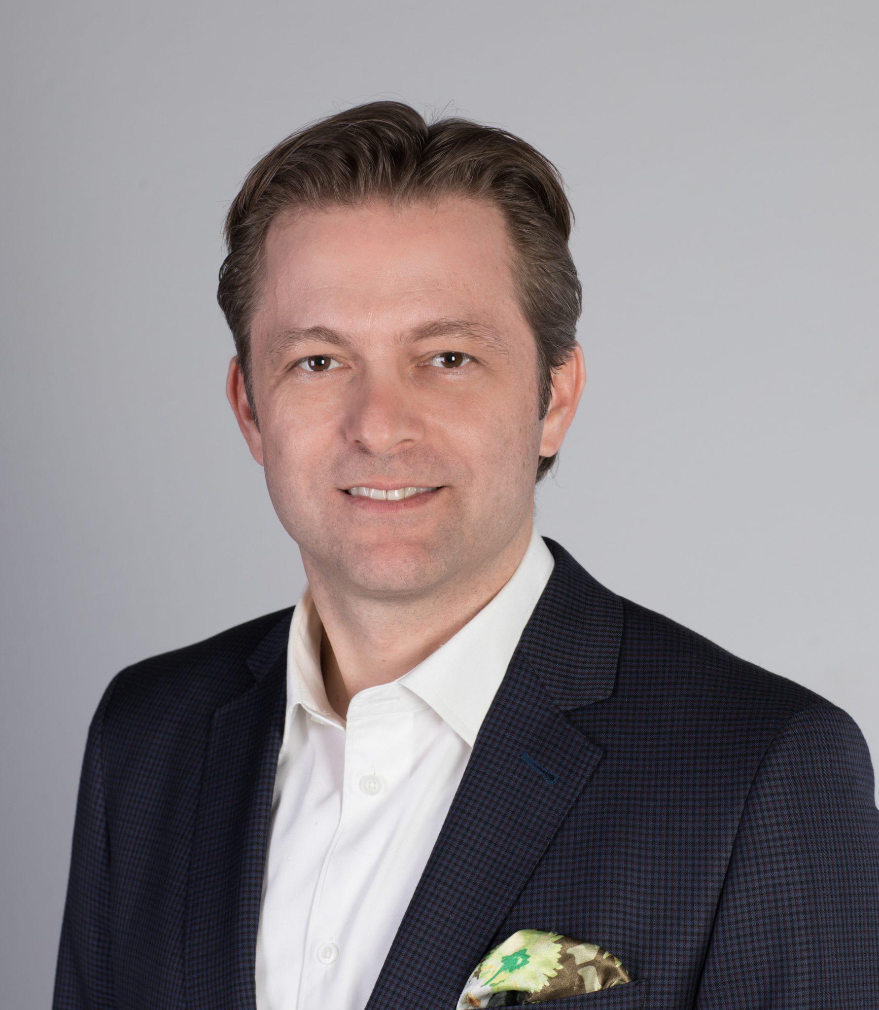 Nomination d'Erik De Pokomandy chez Québecor Groupe Média