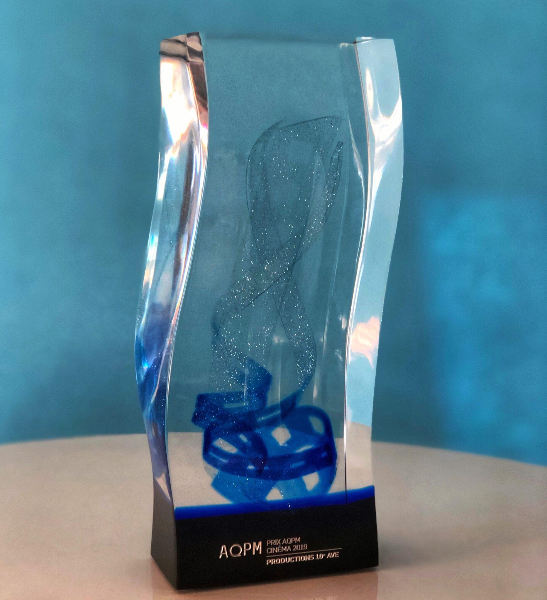 Production 10e Ave reçoit le trophée de producteur de l'année en cinéma au Congrès de l'AQPM