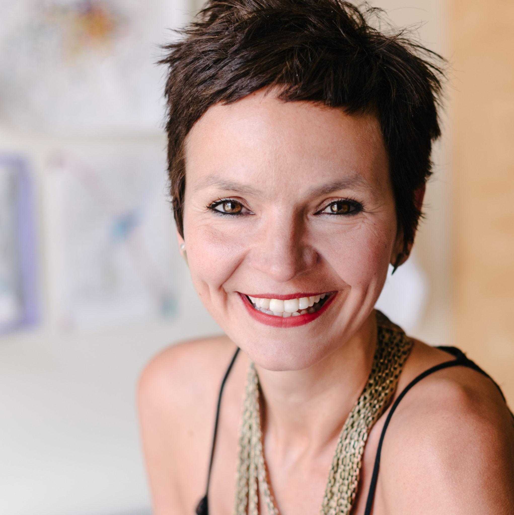 Anaïs Barbeau-Lavalette tourne La déesse des mouches à feu