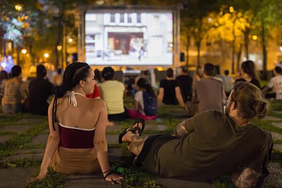 Cinéma urbain à la place de la Paix jusqu'au 3 septembre 2019 !