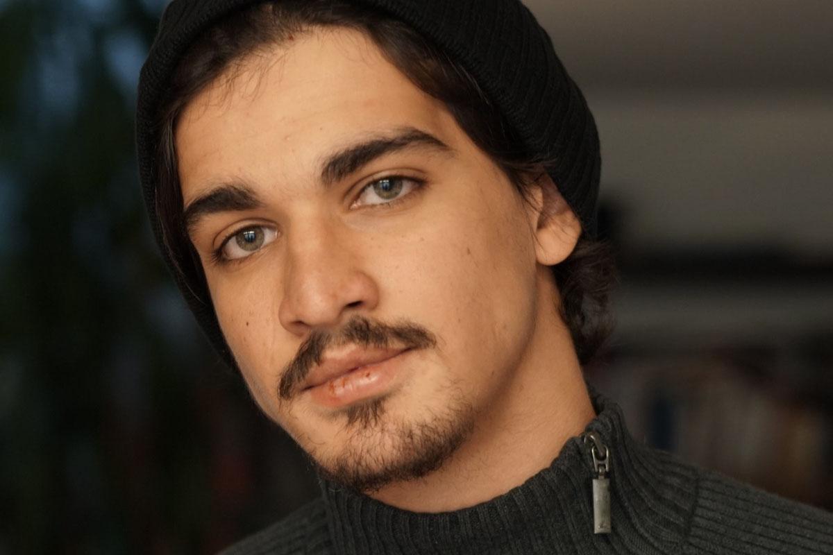 « ANTIGONE » révèle le jeune acteur montant Hakim Brahimi qui vient d'être sélectionné dans MONTRÉAL GIRLS