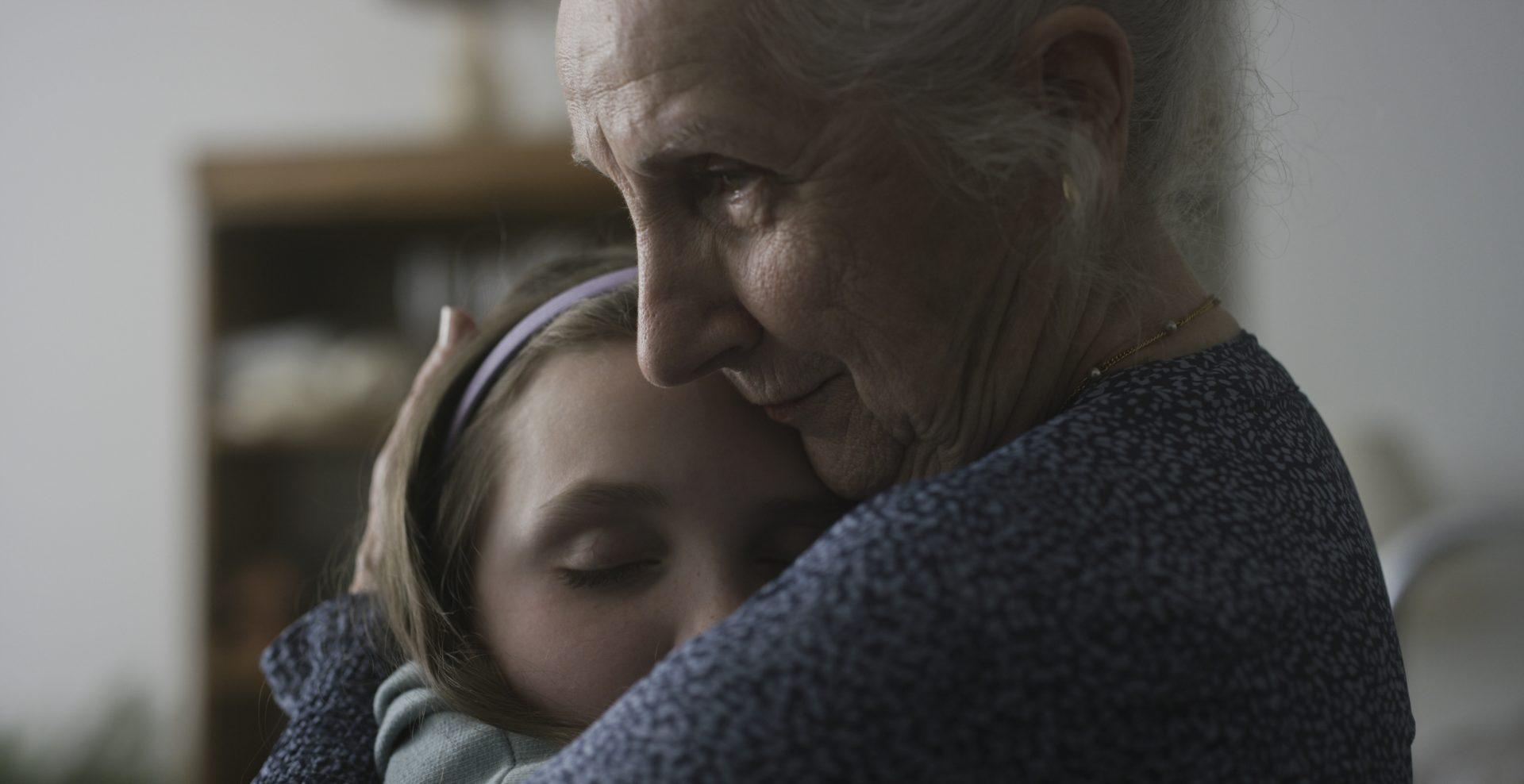Claire et les vieux, vent de jeunesse dans une résidence sur Unis TV