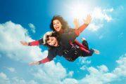Unis TV - Anaïs Favron teste les limites de sa mère dans 50 façons de tuer sa mère