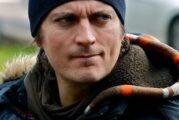 Crave annonce une première collaboration avec le scénariste et réalisateur Jean-François Rivard pour « BON MATIN CHUCK (OU L'ART DE RÉDUIRE LES MÉFAITS) »